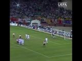 Гол Пьера ван Хоэйдонка (Суперкубок УЕФА-2002)