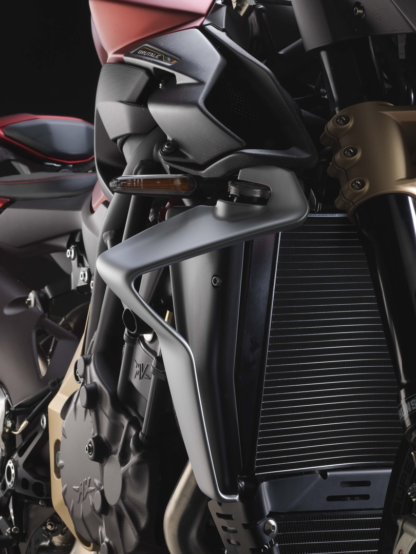 EICMA 2018: новый стритфайтер MV Agusta Brutale 1000 Serie Oro 2019