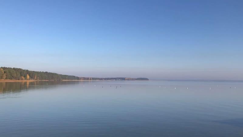 Озеро Нарочь , огромное , красивое ,.