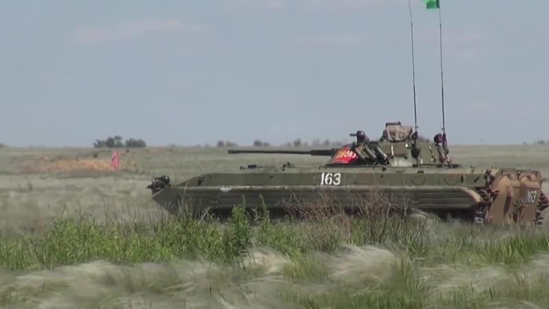 Индивидуальная гонка экипажей БМП-2 на всеармейском этапе конкурса «Суворовский натиск-2019»