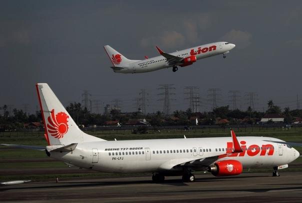 Пассажирский Boeing 737 разбился после вылета из Джакарты