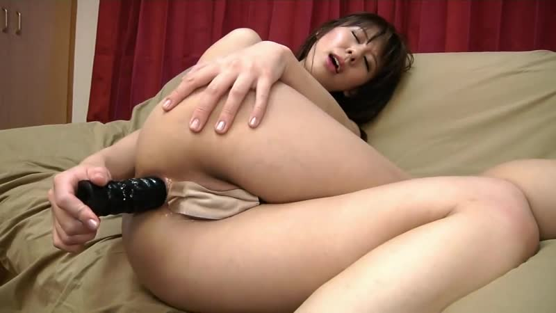 staring-nude-japanese-women-fucked-with-dildo-amputee