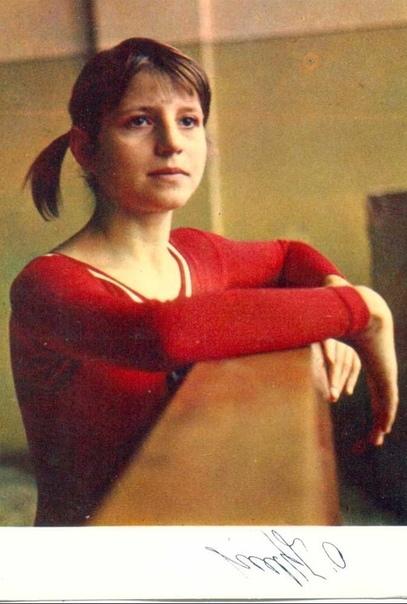 Легендарная советская гимнастка Ольга Корбут, советский воробышек, четырехкратная олимпийская чемпионка, а также заслуженный мастер спорта СССР