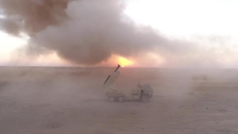 Сирия.Огонь РСЗО HIMARS ВС США по позициям боевиков ИГ в провинции Дейр эз Зор