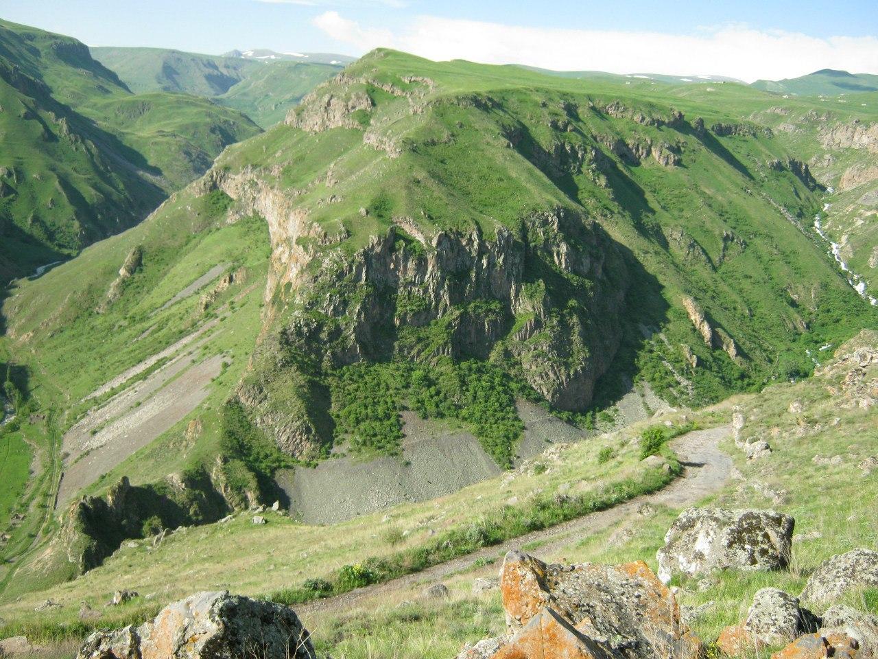 Горы в нагорном Карабахе