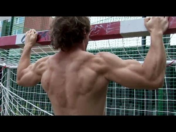 Natural junior bodybuilder -outdoor training 1