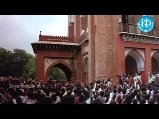 Yuva Movie - Surya, Esha Deol Nice Scene