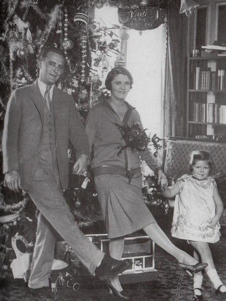 Фрэнсис Скотт Фицджеральд с семьей