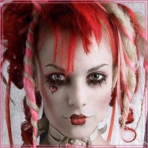 Готический макияж и прически