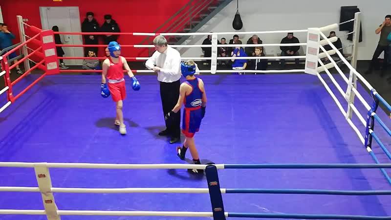 Егор Сосницкий(синий) Артем Кисенков 1 раунд