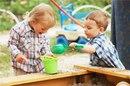 Как побороть свою жадностью на детской площадке? Я конечно понимаю…