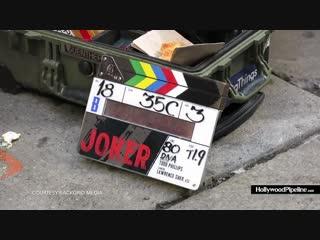 Joaquin phoenix falls hard while filming joker in nyc