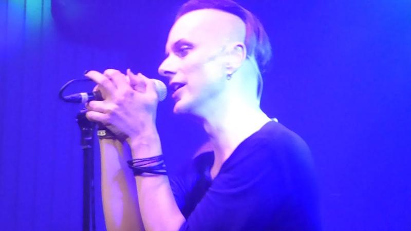 SOLAR FAKE - TOO LATE live Helsinki 08.12.2018 On The Rocks