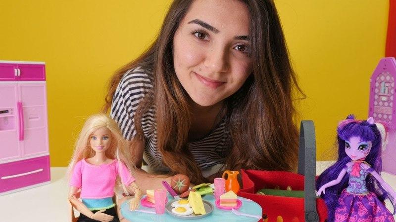 Oyuncak Barbie oyunları. Beraber kahvaltı yapalım