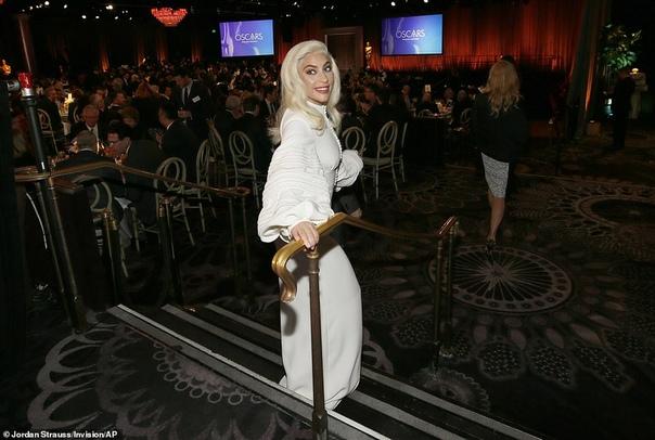 Рэйчел Вайс, Эми Адамс, Леди Гага и другие на завтраке в честь оскаровских номинантов Накануне вручения премии Оскар проводится огромное количество традиционных мероприятий. Одно из них -