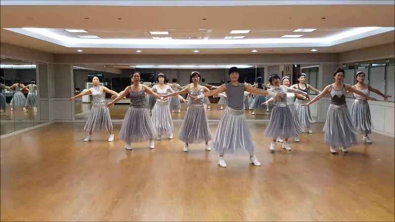 Beautiful U in Blue Line Dance(Intermediate Level)