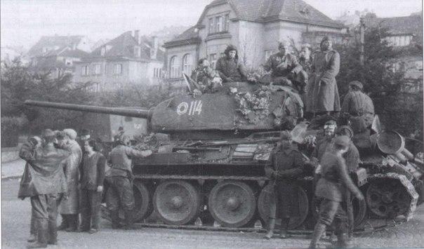 Т-34-85 № 114. Прага, 1945