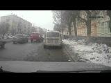 28.10.2014 Момент ДТП трамвай сбил девушку (Ижевск)