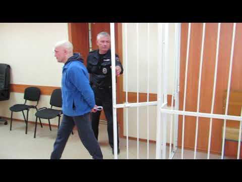Бывшего начальника отдела МВД Сергея Проценко выпустили в зале суда из клетки