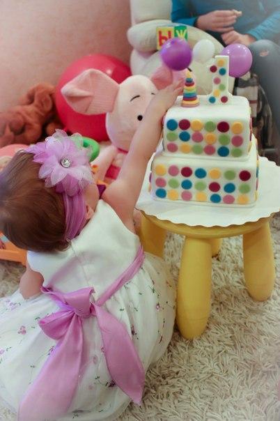 Моей сладкой девочке 1 годик!(фото)