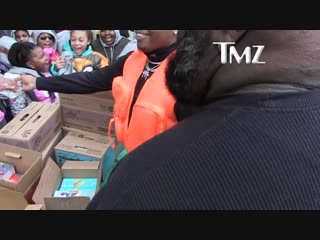 Gunna thrills girl scouts by buying entire table of cookies