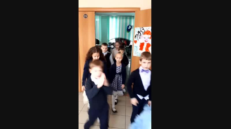 Елки школьные 1Б