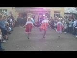 Танец на празднике День знаний