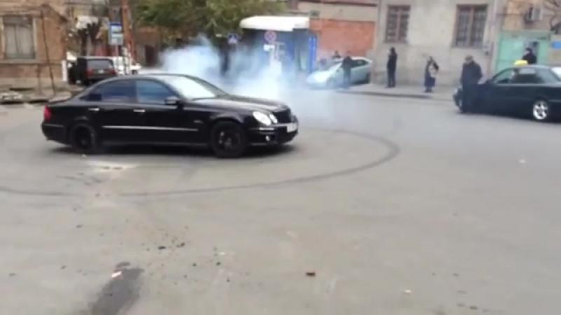 Грузия, Тбилиси W211
