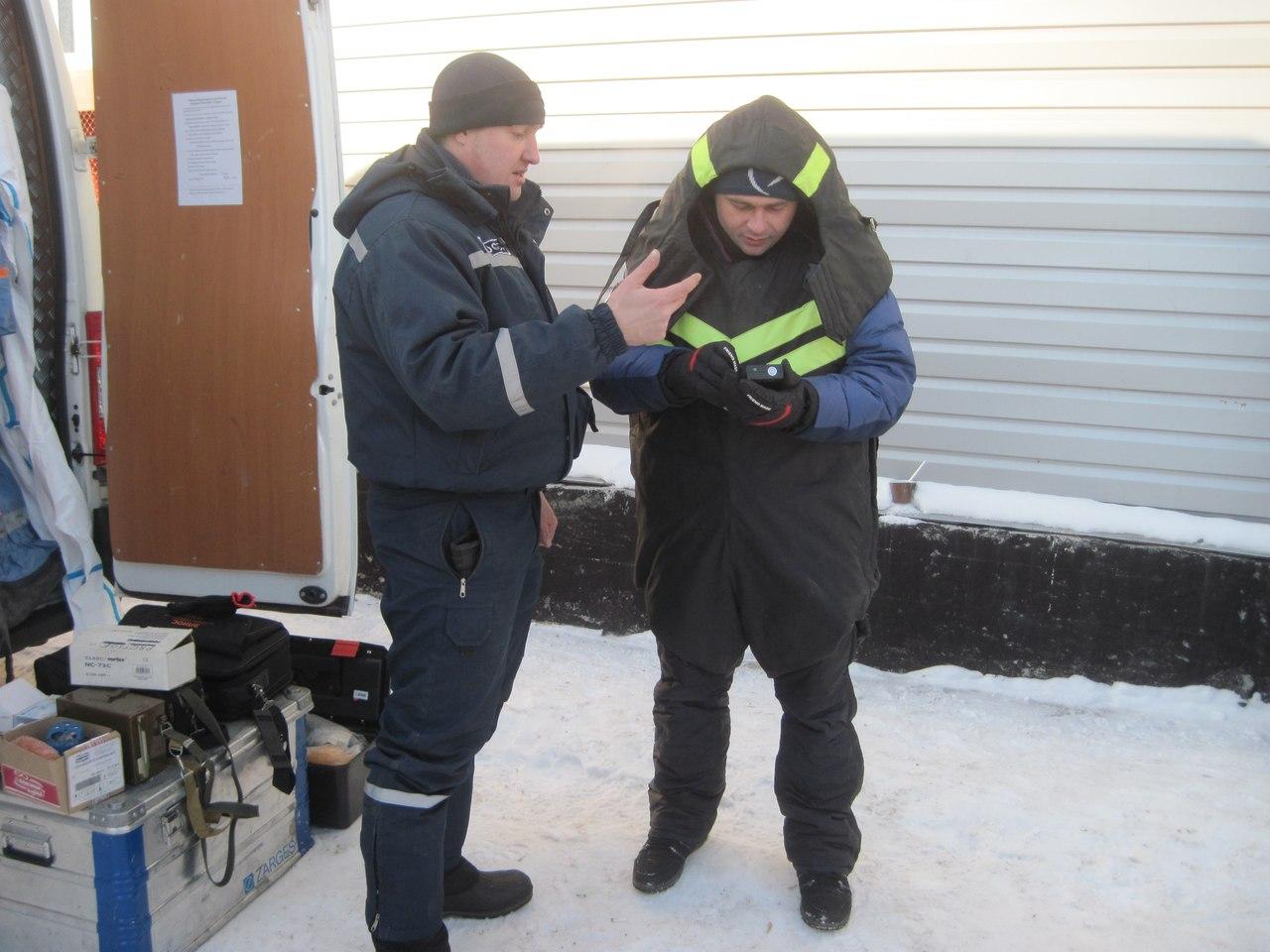 Спасатели отметили 15-летие ТОСЭР катанием на снегоходах с журналистами  4
