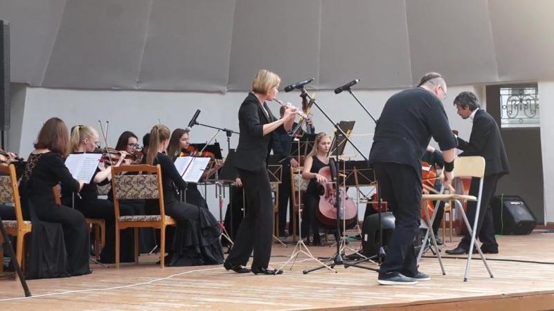 Камерный оркестр В-А-С-Н и Олег Давлет Хан. И.С. Бах Шутка
