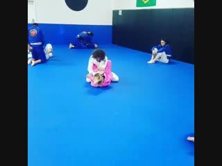 Шон О'Мэлли проводит тренировку по джиу-джитсу