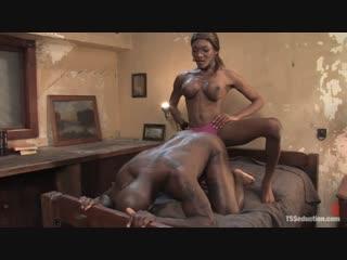 Introducing Amyiaa Diva sexy black shemale (Amyiaa Starr)