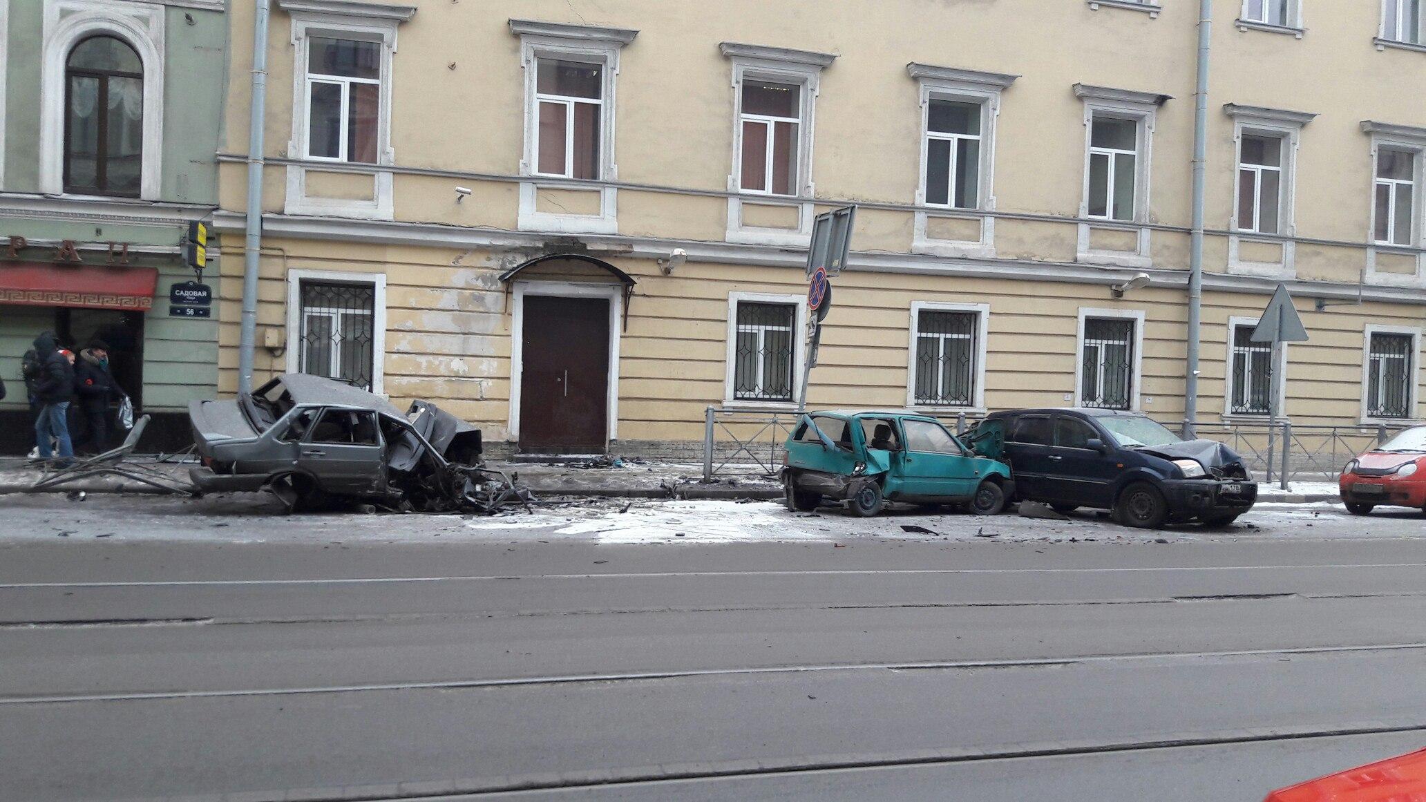 Свидетели оДТП наСадовой: «Уполицейских тихий ужас вглазах!»