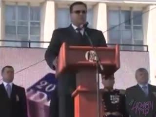 Военный парад в Кишиневе с участием учеников из мед. института