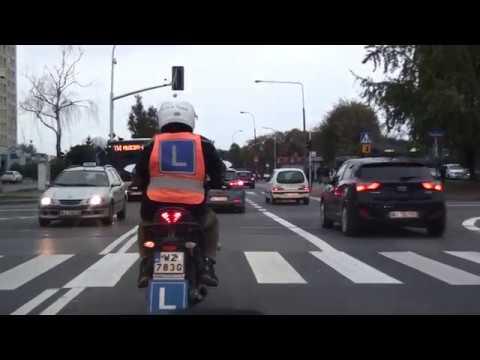Nauka jazdy kategoria A. Pierwsza jazda w ruchu miejskim. Wskazówki.