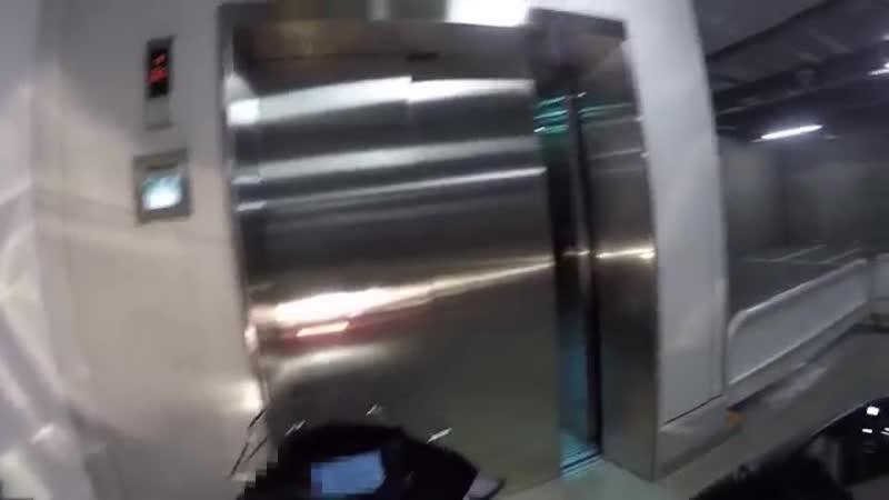 映画・ツーリング ボヘミアン・ラプソディ見て来た! バイクと乗れるエレベーター・バイク女子