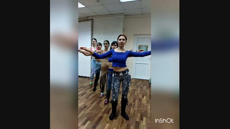 Восточные танцы. г.Таганрог. Занятия в продолжающей группе