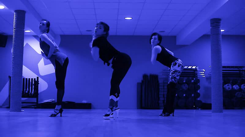 Leggins Heels | Julia Gaika strip