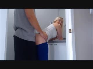 Трахает свою мачеху в туалете инцест amateur xxx homemade мамки milf домашнее porn любительское секс