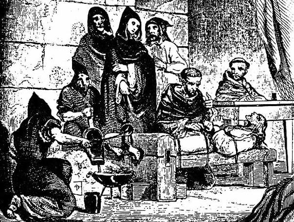 «В начале жертве показывали все инструменты для пыток» 1 ноября 1478 года папа римский Сикст IV направил Изабелле Кастильской и Фердинанду Арагонскому буллу, разрешившую создание Испанской