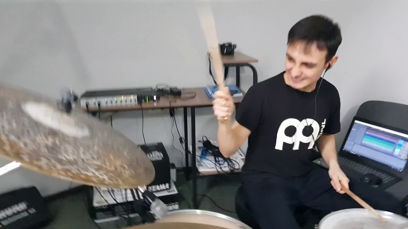 Muse - Hysteria Drum cover