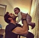 Любовь отца - исключительна, она не похожа на любовь матерей, в ней мало слов.