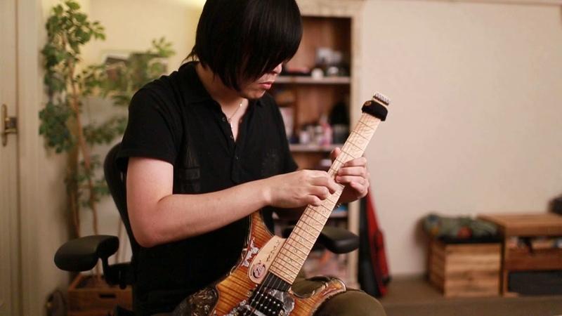 Allan Holdsworth - Proto Cosmos - Two-Hand Tapping - Akihiko Onji