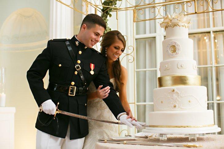 Tny639hq080 - Золотые и серебряные свадебные торты 2016 (70 фото)