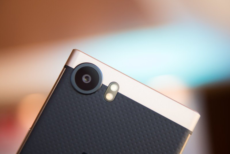BlackBerry KEYOne Bronze Edition Фотокамера