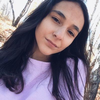 Роя Бабаева