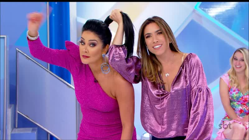 Livia Andrade Decote e Helen Ganzarolli Vestido Rosa Parte 2
