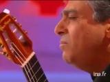 Enrico Macias chante son pays natal