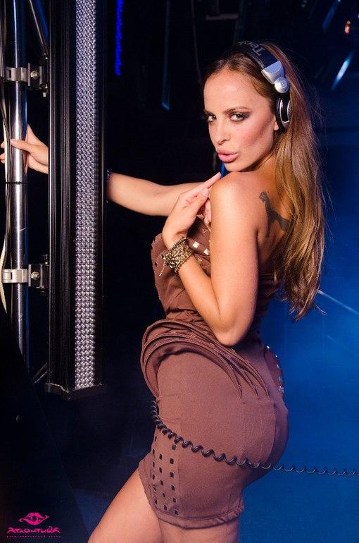 Смотреть порно с sadie saxton 24 фотография