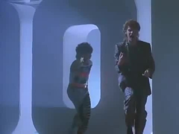 Daryl Hall John Oates - Out Of Touch